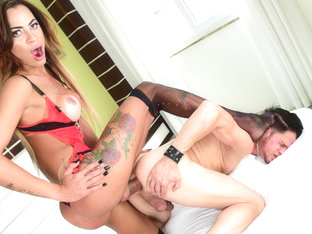 Keylla Marques in Hung T-Girl & Latin Stud Bury Boners - ShemaleIdol