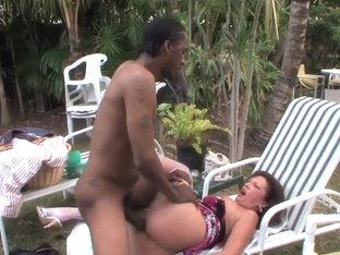 Mature Margo Sullivan pleasure her black neighbor