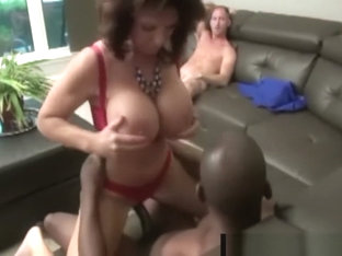 Mature Lesbians Deauxma & Alexis Golden Fuck In BBC 4some!