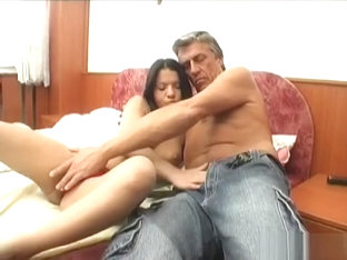 Dilettante Playgirl Lets An Older Dude Penetrate Her Cuchy
