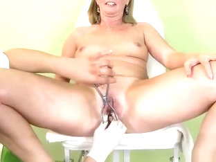 Godly dusky MILF Laura Oswald is sucking cock