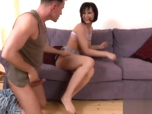 Slender Abbie delivers an amazing footjob