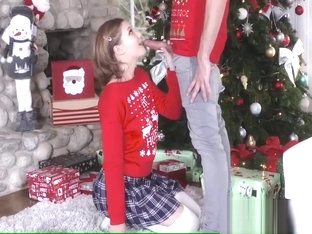 Step-Sis fucked me during family chritmas pictures