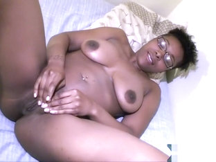Young ebony slut blows bubblegum and suck on my dick