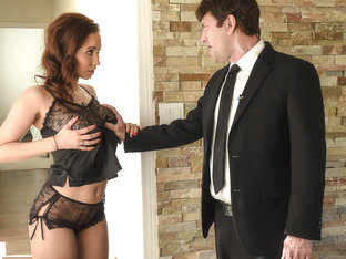 Isis Love & Preston Parker in Boning Her Bodyguard - BrazzersNetwork