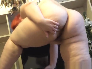 beautiful bbw Ira with a large butt, fucks his holes. anal