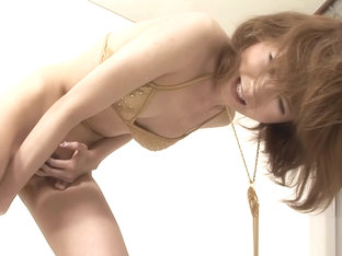 Uncensored Japanese hottie stuffs a dildo up her pussy