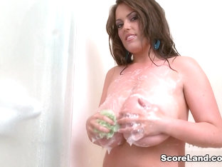 Putting The Show In Shower - Taylor Steele - Scoreland