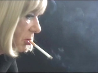 Fetish Smoking Samantha