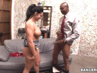 Bella Reese Deepthroats a Black Monster Cock!