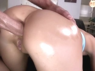 This Babe Really Love Anal