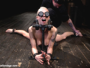 Lorelei Lee in Lorelei Lee returns to Device Bondage to test her limits of pain and pleasure! - De.