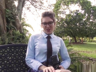 Hipster babe starts her modeling career fucking in the park