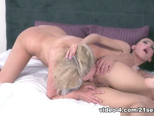 Nicole Love in Old Fashioned Rimming - 21Sextreme