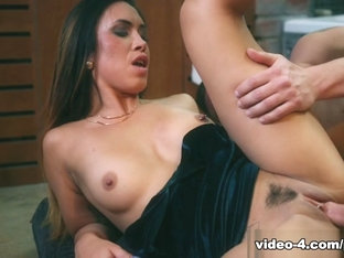 Sexy Brunette Hannah Shaw Gets A Face Full Of Cum - Private