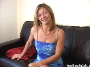 Amateur blonde babe Amber is tired of small dicks