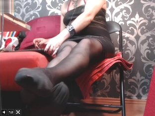 mature woman nylon stockings feet