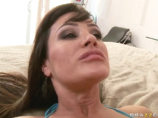 Keiran Lee fucks Lisa Ann in the ass