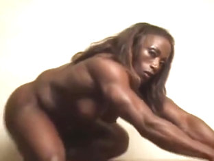 Hot Female muscle!!