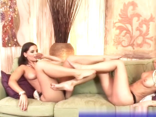 Lez Eve Angel and Mia Stone feet worship