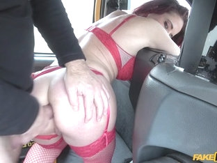 Diverse Stacey & John in Lady Fits Wine Bottle Up Her Pussy - FakeTaxi