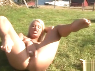 Norwegian Blonde Outdoor Solo Masturbation