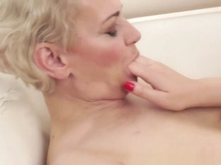 Mature Dyke Fingerfucked By Redhead Beauty