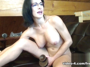 Livecam Filling My Pussy  Ass With My Favorite Toys - KinkyFrenchies