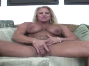 Muscled Blonde Shows Off