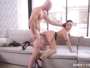 Karlee Grey & Johnny Sins in Forbidden Fruit - BrazzersNetwork