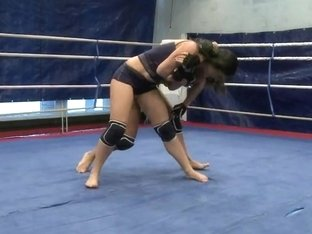 Honey Demon and Melanie Memphis do fight in the ring