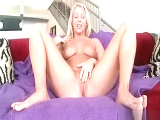 Blonde Tramp Gets Pussy Finger Pleased