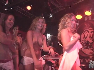 Hot Contest at Rick's Bar Key West Florida - SouthBeachCoeds