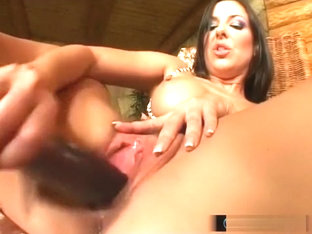 Raving beauty Maria Belucci fingers herself until she is dripping wet