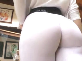 amazing ass in leggings