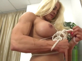 Naked Female Bodybuilder Struggles in Rope