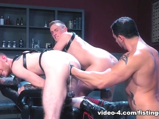 Fisty's Barber Shop featuring Seamus O'Reilly, Colin Bryant, Joey D - FistingCentral