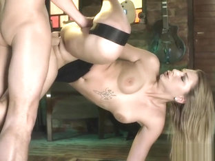 Haley Hill And Hubby Enjoy Acrobatic Fucking On Sex Swing