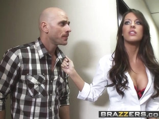Juelz Ventura Kortney Kane Johnny Sins - Retirement Bone - Brazzers