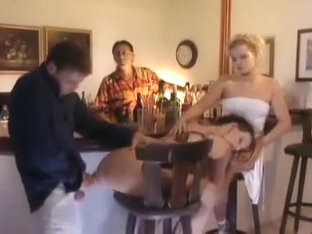 Sexe Tentation anal in bar
