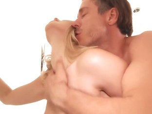 Beautiful Anikka Albrite Gets Anal