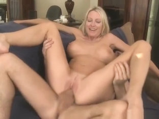 Tempting busty mom Emma Starr getting cumshot on her face