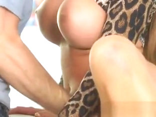 Mature Hottie Richelle Ryan Has Oral With Gardener
