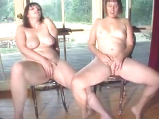 Shy country hotties masturbate together