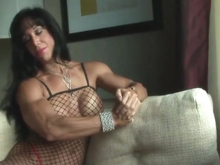 CAROLINE KRAKOWER Female Bodybuilder