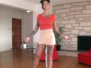 All tattooed Bonnie Rotten posing