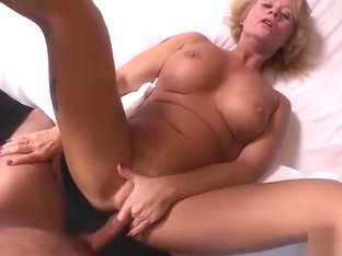 Wow milf with nice body anal fuck