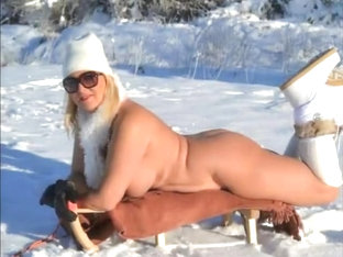 Going ladies in winter - topless bottomless and naked
